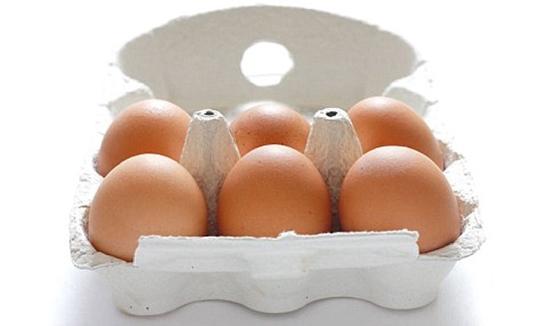 FARM FRESH EGGS: HALF-DOZEN