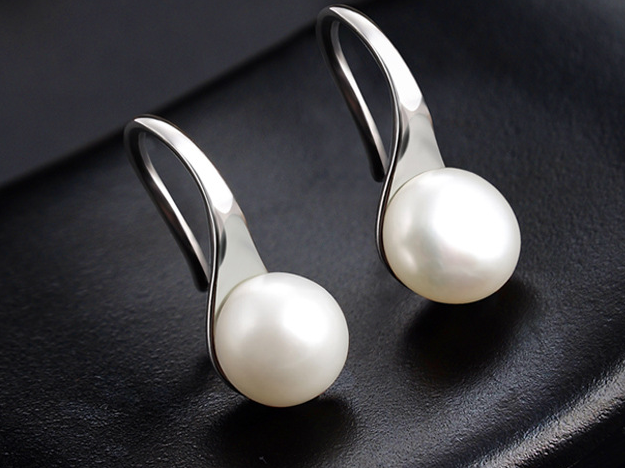 Synth Pearl Drop Earrings