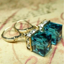 Load image into Gallery viewer, Cube Olivine Drop Earrings