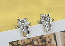 Load image into Gallery viewer, Cute Cat Earrings