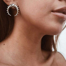 Load image into Gallery viewer, Divine Crescent Moon Earrings