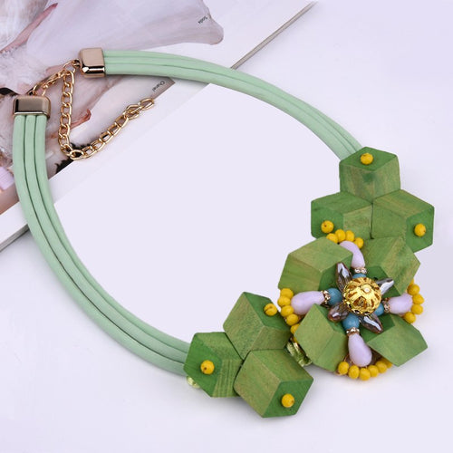 Green Wood Flower Necklace