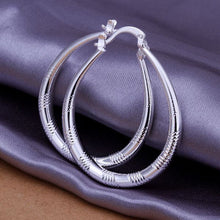 Load image into Gallery viewer, Small Hoop Earrings