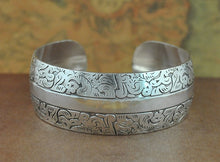 Load image into Gallery viewer, Tibetan Vintage Bangles