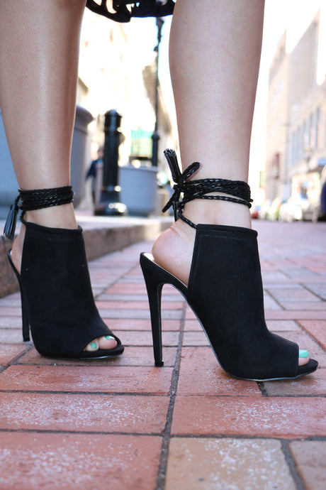 European Black Design Heels