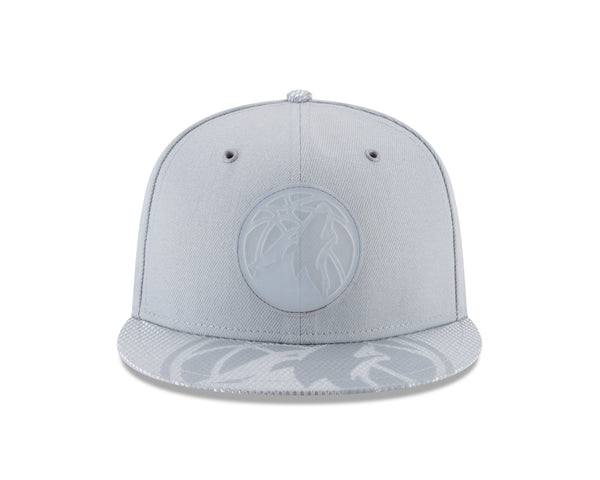 Minnesota Timberwolves 59FIFTY On Court Rubber Logo Fitted Cap - Gray