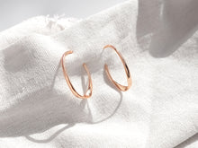 Load image into Gallery viewer, The Wave Earrings | Rose Gold
