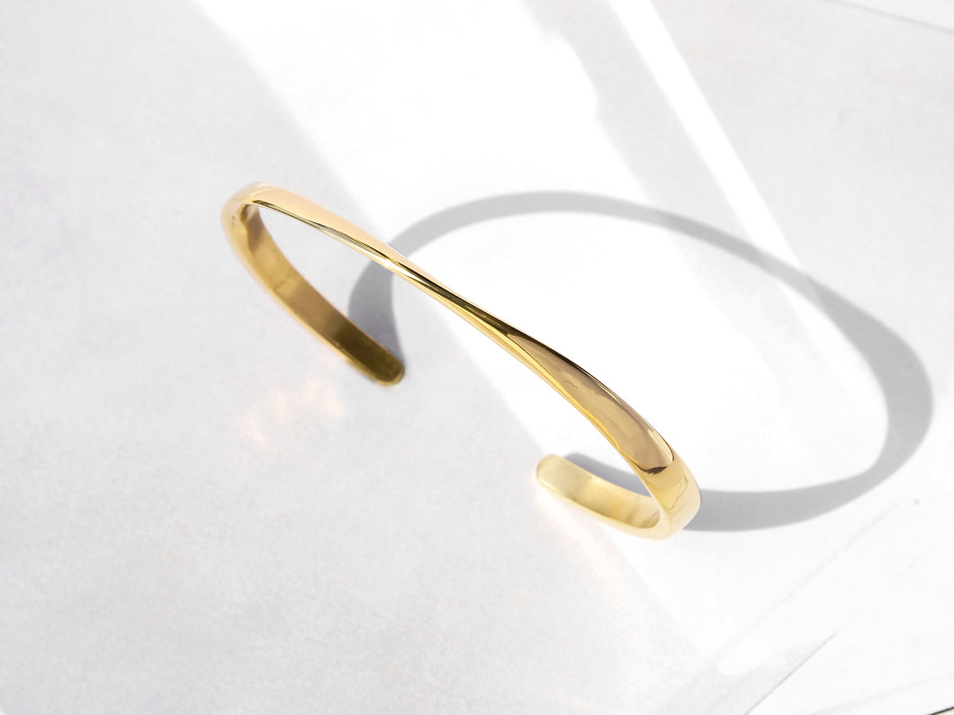 Twisted Cuff Bracelet | Gold