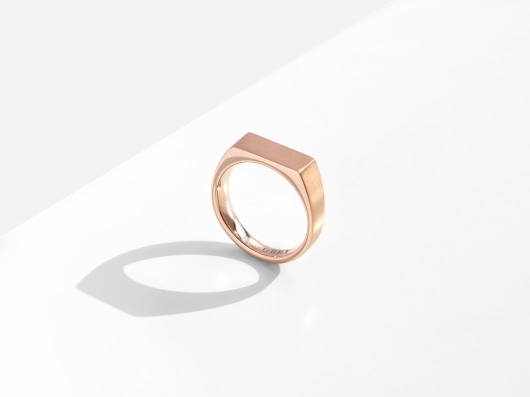 【NEW】Dual Texture Signet Ring | Rose Gold