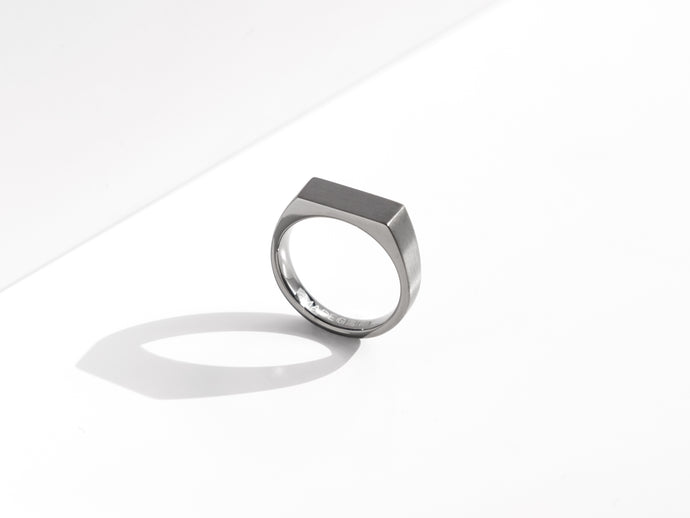 Dual Texture Signet Ring | Grey