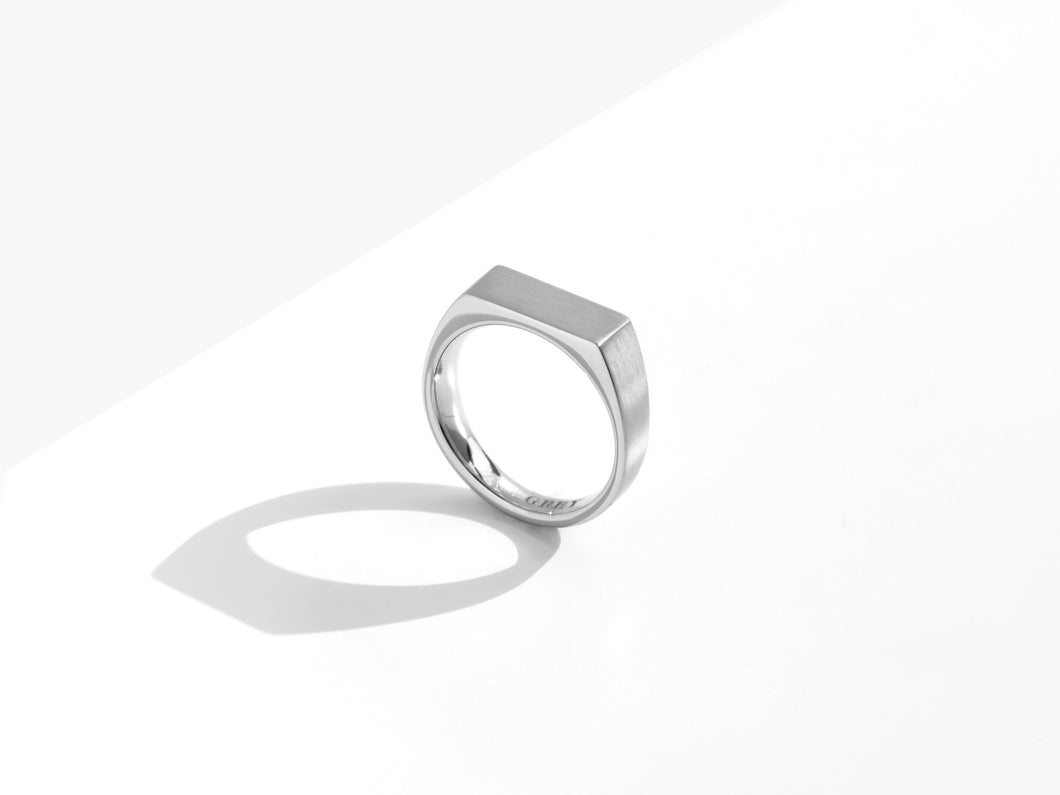 【NEW】Dual Texture Signet Ring | Silver