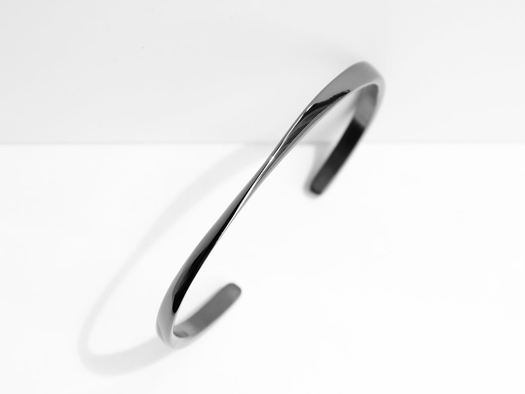 Twisted Cuff Bracelet | Grey