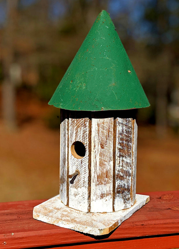 Small Round Tower Birdhouse - Evergreen Patio