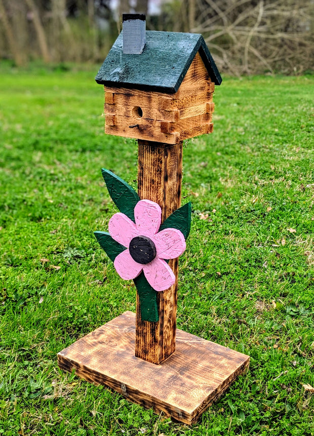 Log Cabin on Post Birdhouse