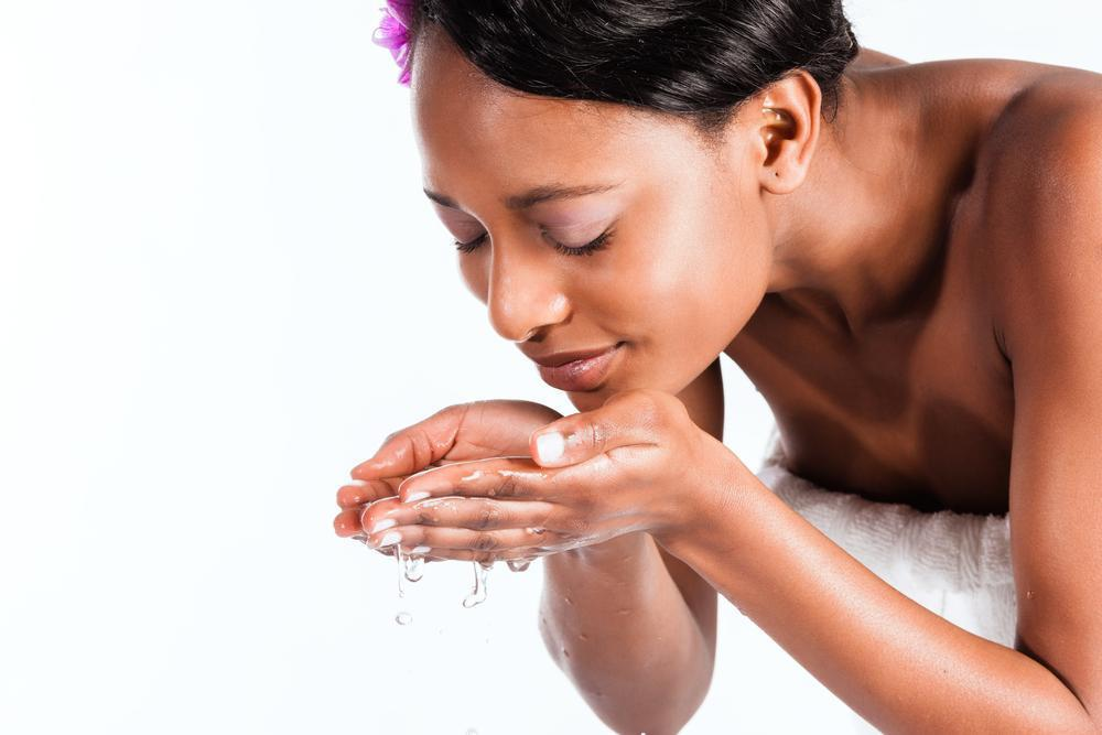 25 Best Essential Oils for Skin You Need to Use Daily
