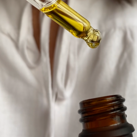 Interview About Manuka Oil With Dr. Suki Harding - Manuka Oil In Bottle