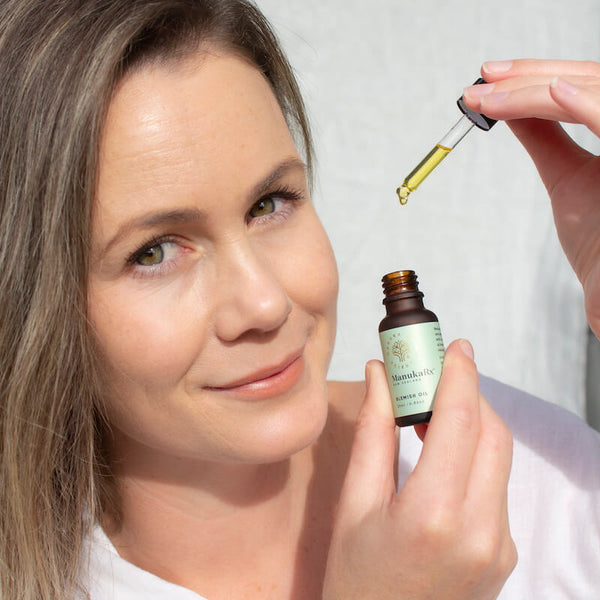 ManukaRx-East Cape Manuka Essential Oil The Do's and Don'ts of Using Mānuka Oil to Prevent Acne with Manuka Skin Oil.