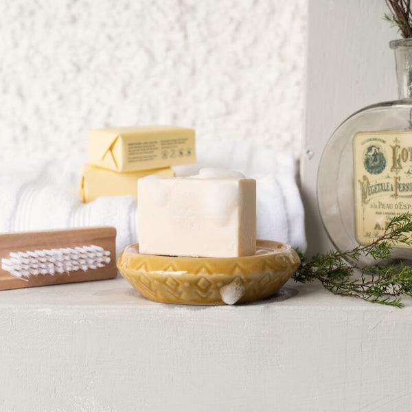 Mānuka Oil Skincare: Christmas Gift Guide image of ManukaRx Extra Gentle Cleansing Soap