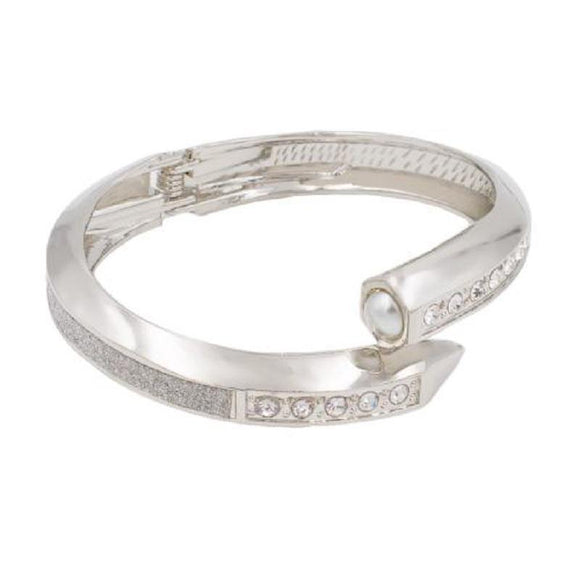 SILVER HINGE BANGLE PEARLS CLEAR STONES ( 5141 SV ) - Ohmyjewelry.com