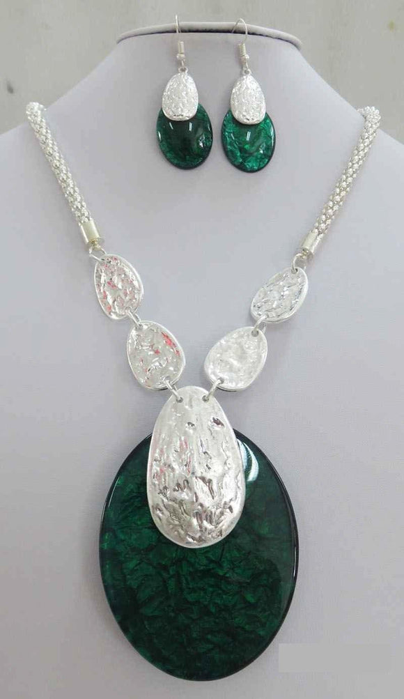 LONG SILVER NECKLACE SET GREEN ACRYLIC PENDANT ( 3707 MSGN ) - Ohmyjewelry.com