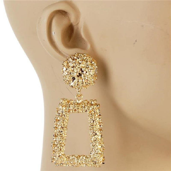 GOLD METAL SQUARE DANGLING EARRING ( 7153 )