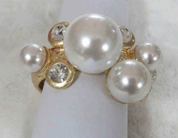 GOLD BANGLE WITH CREAM PEARLS AND STONES ( 698 )