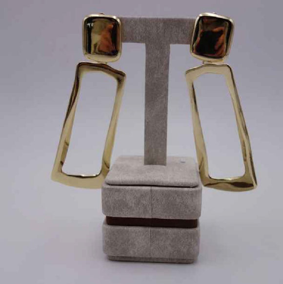 GOLD DANGLING RECTANGLE HAMMERED CLIP ON EARRINGS ( 2946 G )