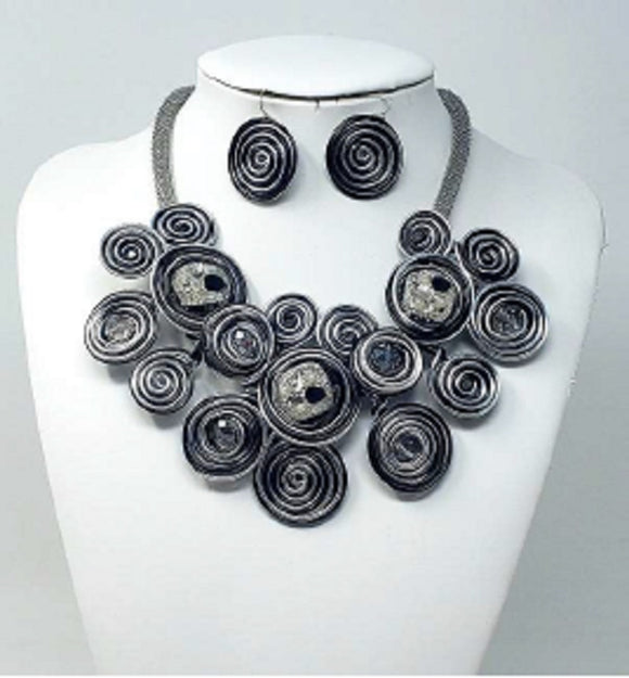 SILVER BLACK SWIRL NECKLACE SET COIL ( 10101 )