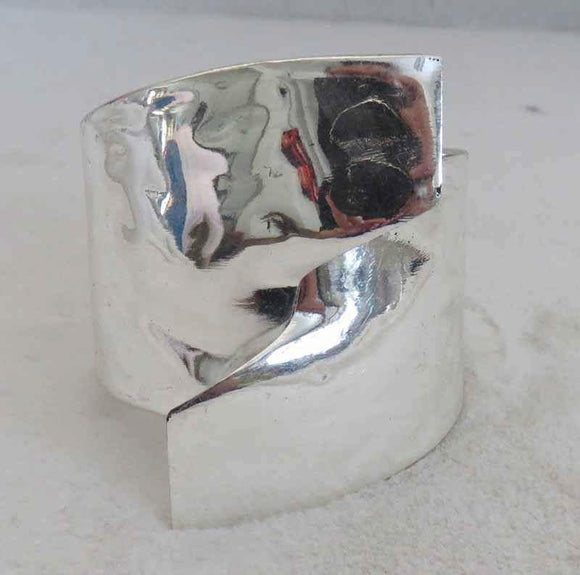 SILVER HAMMERED BANGLE ( 704 )