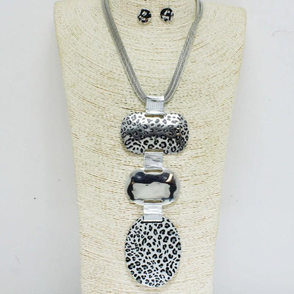 SILVER NECKLACE SET ANIMAL PRINT METAL PIECES ( 10055 )