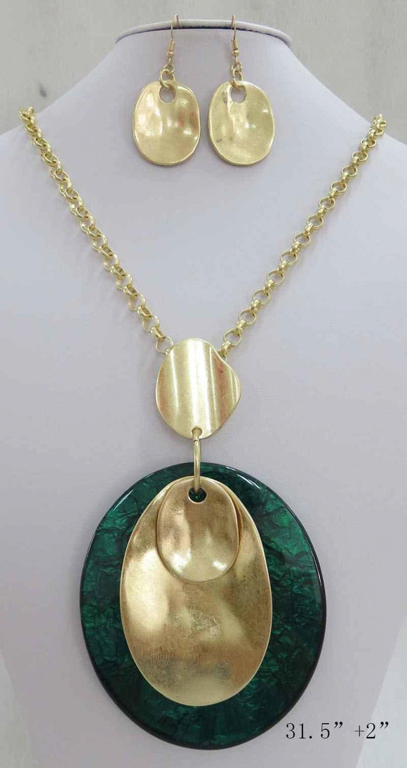GREEN GOLD WRINKLE OVAL ACRYLIC PENDANT LONG NECKLACE SET ( 3708 MGGN ) - Ohmyjewelry.com