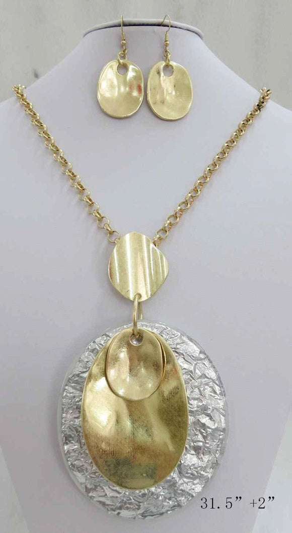 WHITE GOLD WRINKLE OVAL ACRYLIC PENDANT LONG NECKLACE SET ( 3708 MGS ) - Ohmyjewelry.com