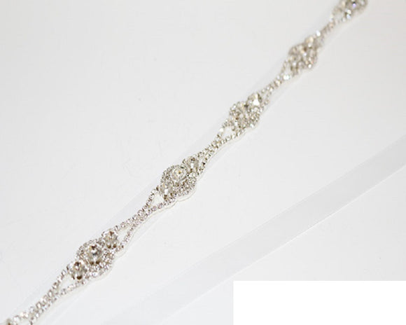 SILVER WHITE BELT OR HEADBAND WITH CLEAR STONES ( 1146 )