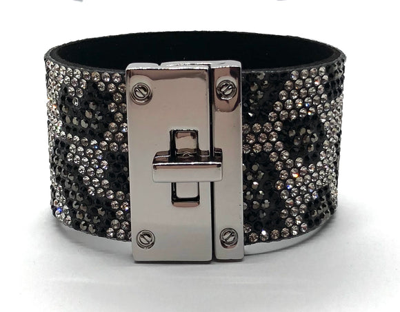 BLACK AND SILVER ANIMAL PRINT MAGNETIC BRACELET ( 9097 )