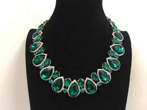 Emerald Green Teardrop Stones with Surrounding Clear Stones Formal Necklace Set with Gold Accents ( 2045 )