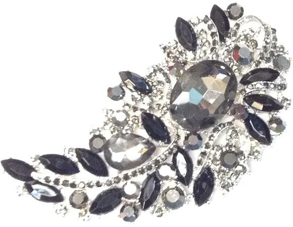 SILVER BROOCH WITH BLACK HEMATITE STONES ( 06338 )