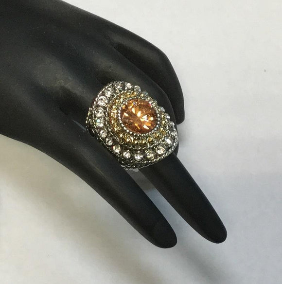 TWO TONED RING WITH TOPAZ RHINESTONE SIZE 7 ( 3198 )