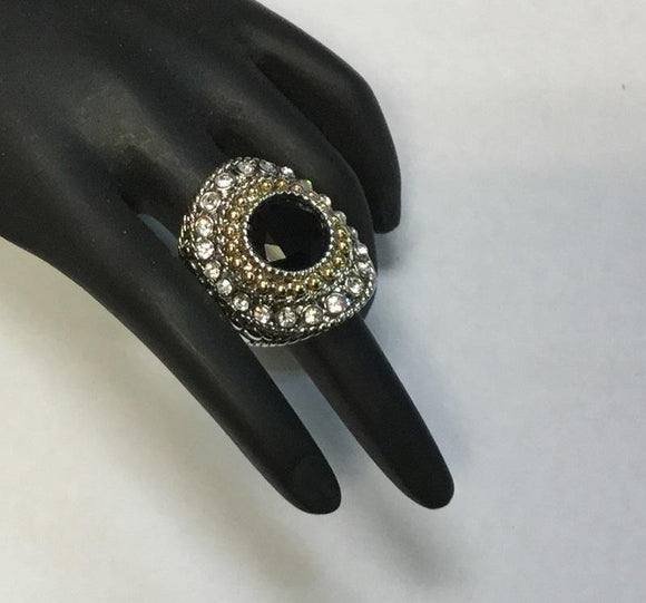 TWO TONED RING WITH BLACK RHINESTONE SIZE 6 ( 3198 )