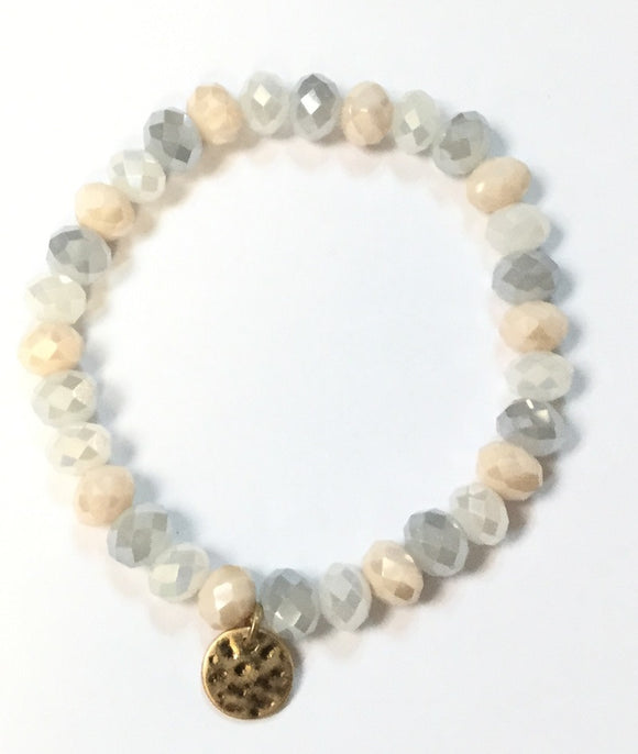 8mm WHITE GREY Glass Beaded Stretch Bracelet with Gold Hammered Disc ( 1265 )