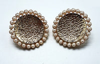GOLD ROUND EARRINGS CREAM PEARLS CLIP ON ( 003 )