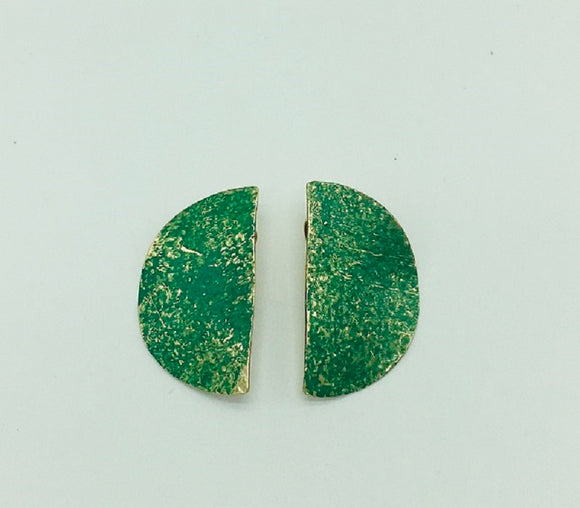 GOLD GREEN HAMMERED CLIP ON EARRINGS ( 006 )