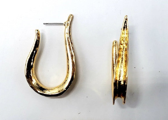 GOLD METAL HOOK EARRINGS ( 024 )