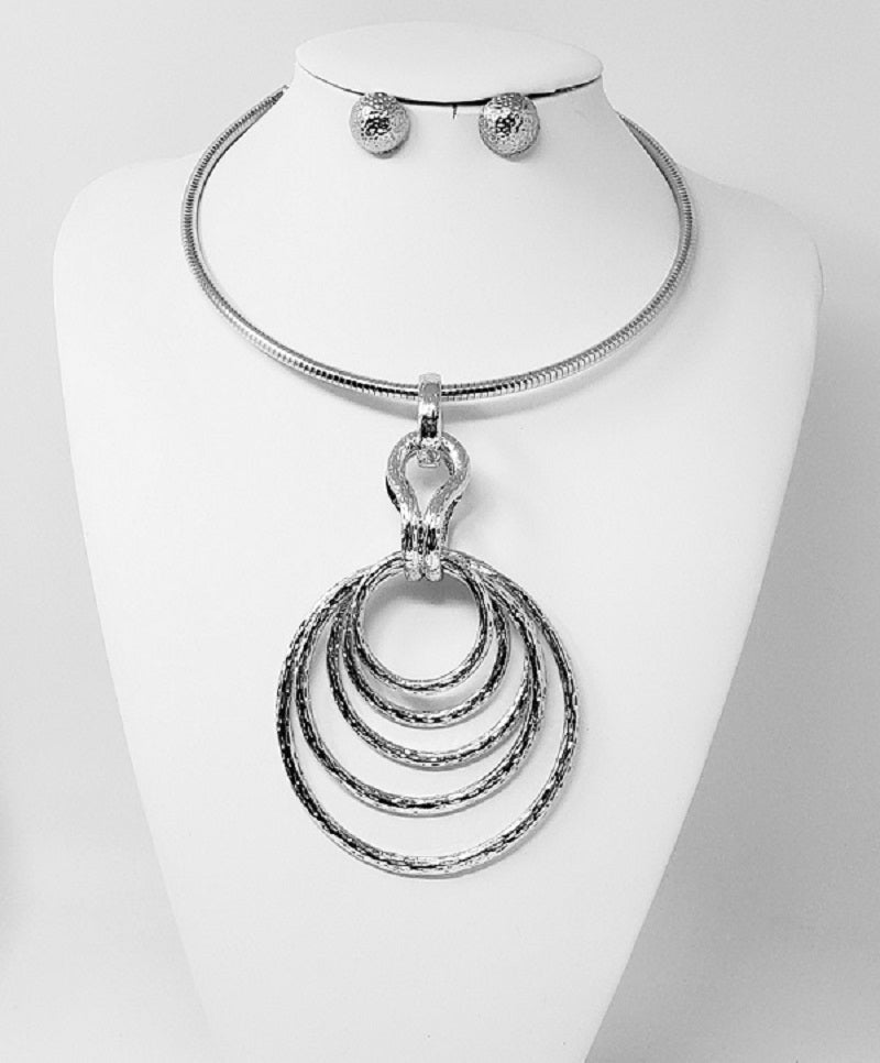 SILVER CHOKER SET WITH CIRCLE PENDANT ( 3262 )