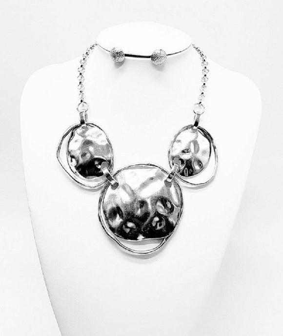 SILVER HAMMERED NECKLACE SET ( 3269 R )