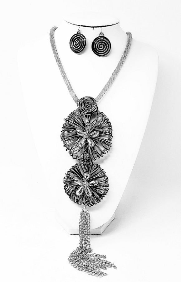 LONG SILVER AND BLACK NECKLACE SET SPIRALS ( 3330 )