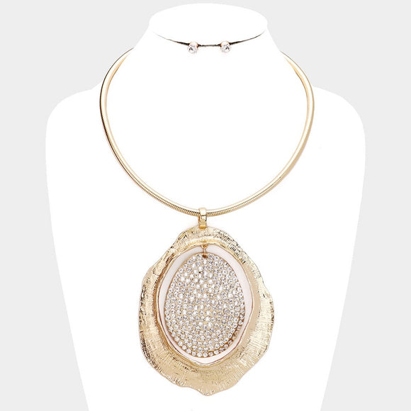 GOLD NECKLACE WITH LARGE GOLD PENDANT AND CLEAR RHINESTONES ( 10050 )