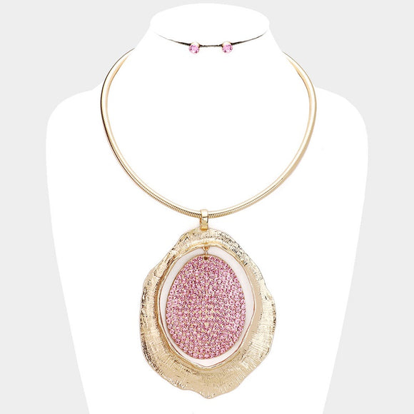 GOLD NECKLACE WITH LARGE GOLD PENDANT AND PINK RHINESTONES ( 10050 )