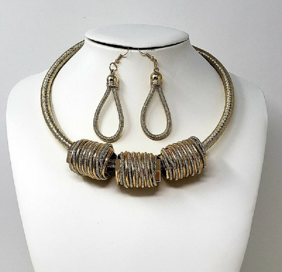GOLD CHOKER NECKLACE SET WIRE COIL ( 10115 G )