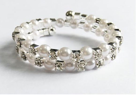 Silver Children's Coil Bracelet with Clear Rhinestones and White Pearls ( 6401 )