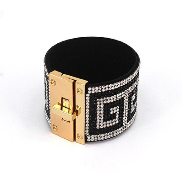 BLACK AND CLEAR GREEK DESIGN BRACELET WITH GOLD ( 2004 GDMLT )